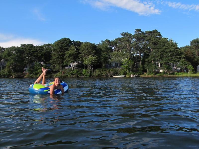 Our guests have access to the lake for swimming, fishing and boating via a path - 5-Star Reviews, swim Kelleys pond, walk to beach - West Dennis - rentals