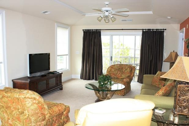 Large, open Living Room - Upscale 4 bd/3ba on the Waterway! - North Myrtle Beach - rentals