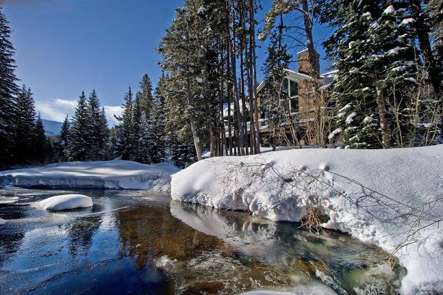 Blue River in the Winter - Luxury 5BR riverside home, media room, pool table - Breckenridge - rentals