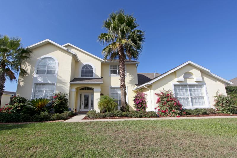 Front Exterior - Private Pool, Large Spa, Ultimate Games Room! - Kissimmee - rentals
