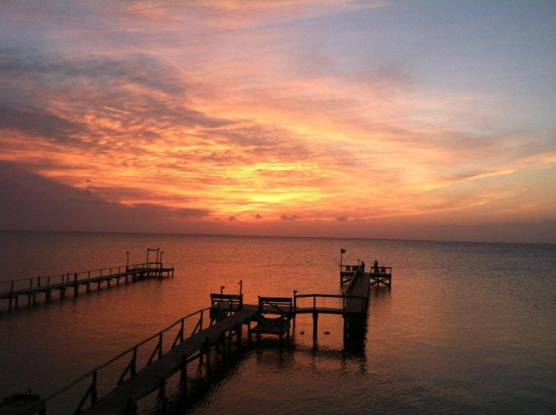 great sunsets! - Dolphin's Point - House on Copano Bay w/2 T-heads - Rockport - rentals