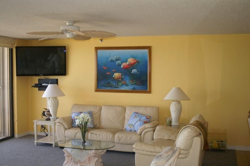 One-Half of the 26' Living Room - Late Summer and Fall: Great Rates!!! - New Smyrna Beach - rentals