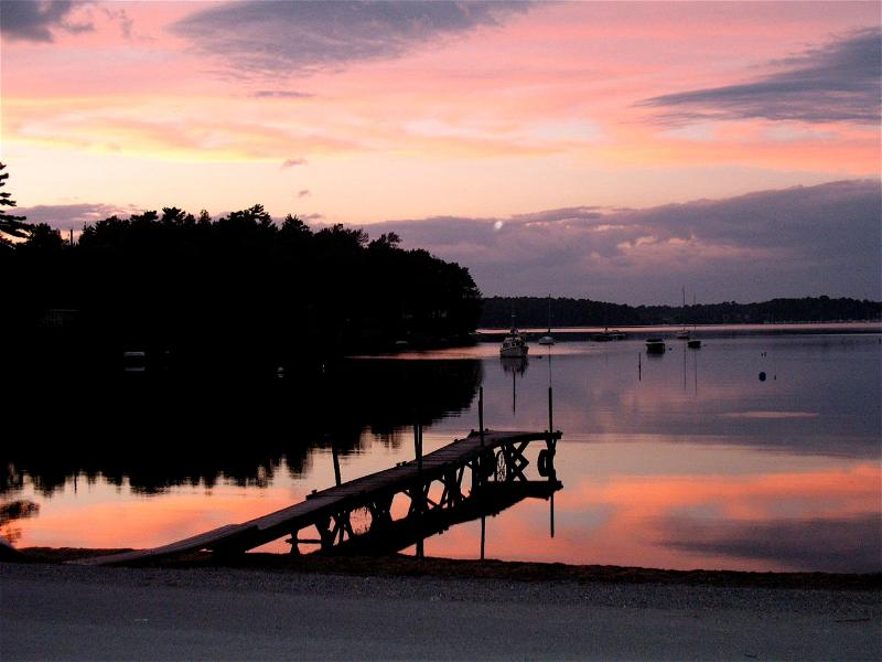 August Sunset - Dee's Lake House welcomes College Parents! - North Ferrisburg - rentals