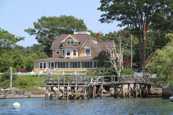 Directly on the Kennebunk River - LUXURY Waterfront Home in Kennebunkport Maine - Kennebunkport - rentals