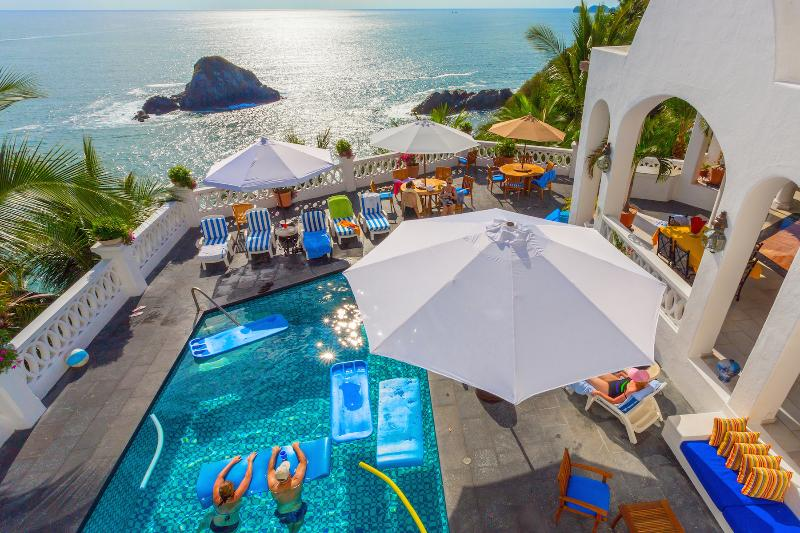 Sun drenched pool, jacuzzi, deck and pacific ocean - #1 IN GUEST SATISFACTION - Palace by the Sea - Manzanillo - rentals