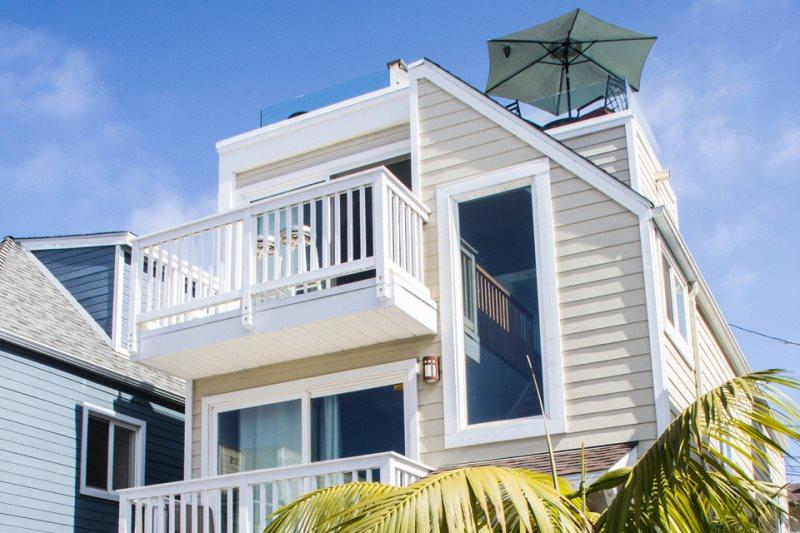 Gorgeous Luxury Bayside Custom Home with Breathtaking Views - Image 1 - Pacific Beach - rentals