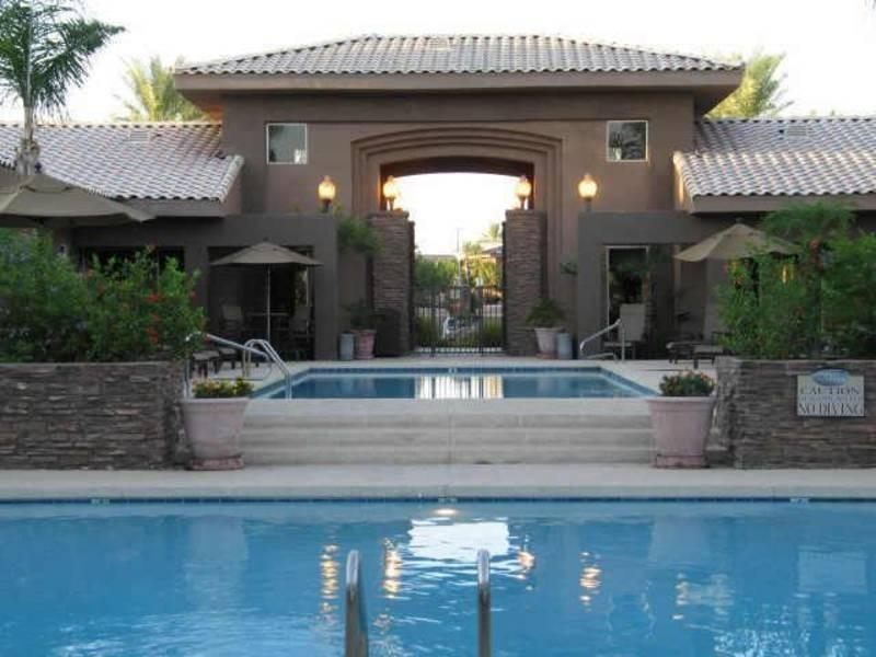 Pool area - Luxury Scottsdale condo - Kierland gated community - Scottsdale - rentals