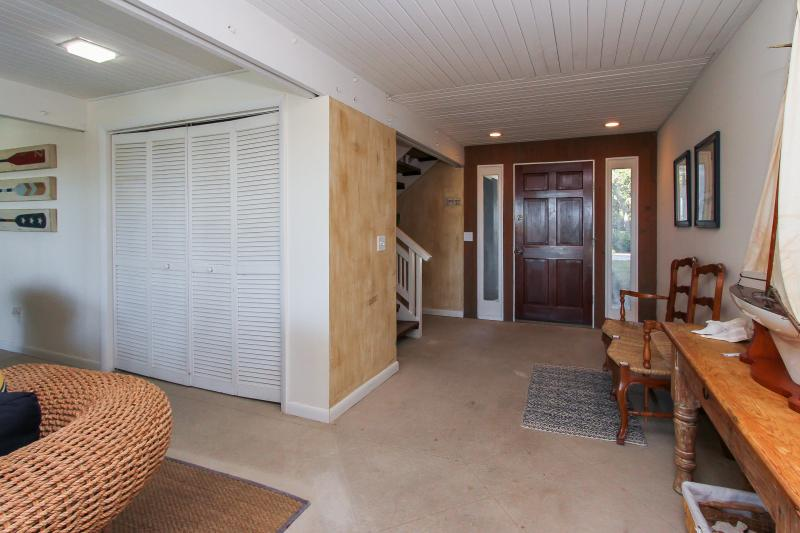 Front entry to house - Oceanfront, Sea Pines, 22 Black Skimmer Ln. - Hilton Head - rentals