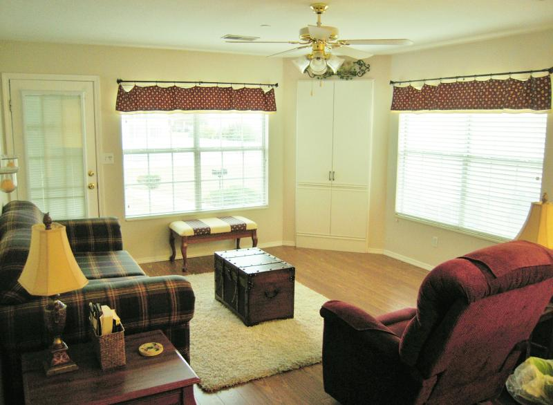 Comfortable, Family Friendly 2 BR/2 Bath Meadow Br - Image 1 - Branson - rentals