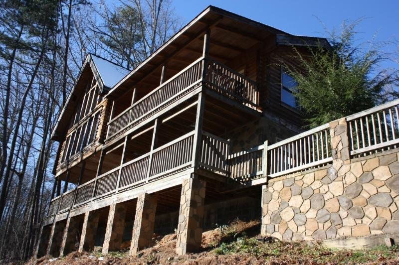 "Hawk's  View  Cabin ""Nicer than Abe Lincoln's"" - Image 1 - Gatlinburg - rentals"