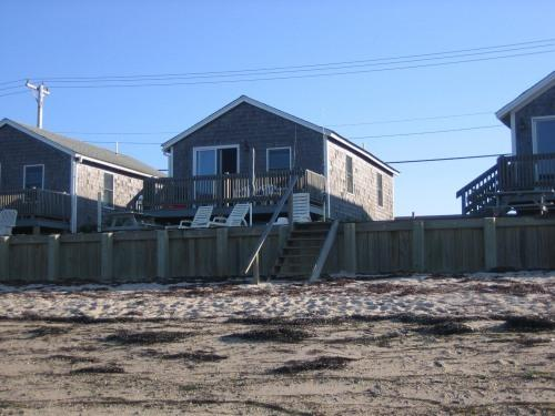 Beachfront Cottage on Cape Cod Bay - Image 1 - North Truro - rentals