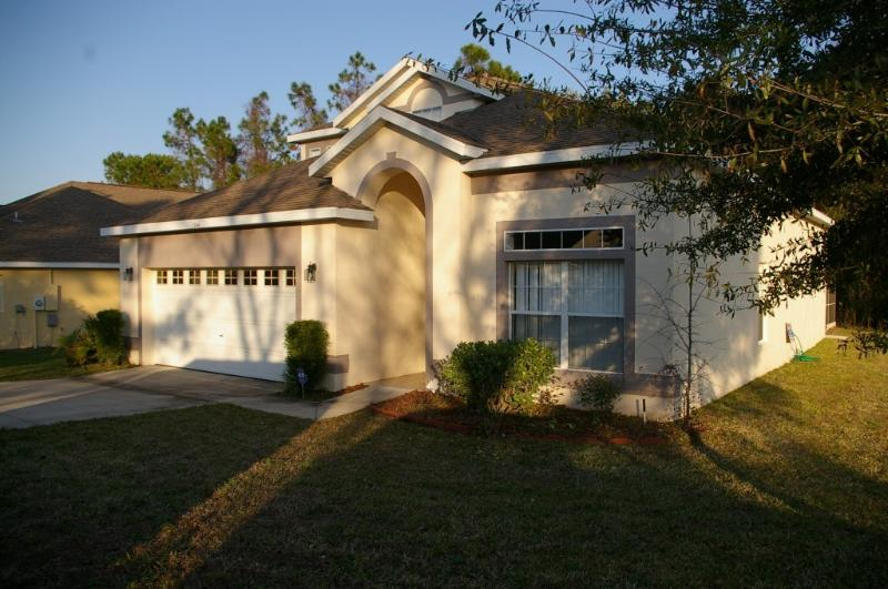 Luxury Villa with Private Pool, Spa & Games room! - Image 1 - Davenport - rentals