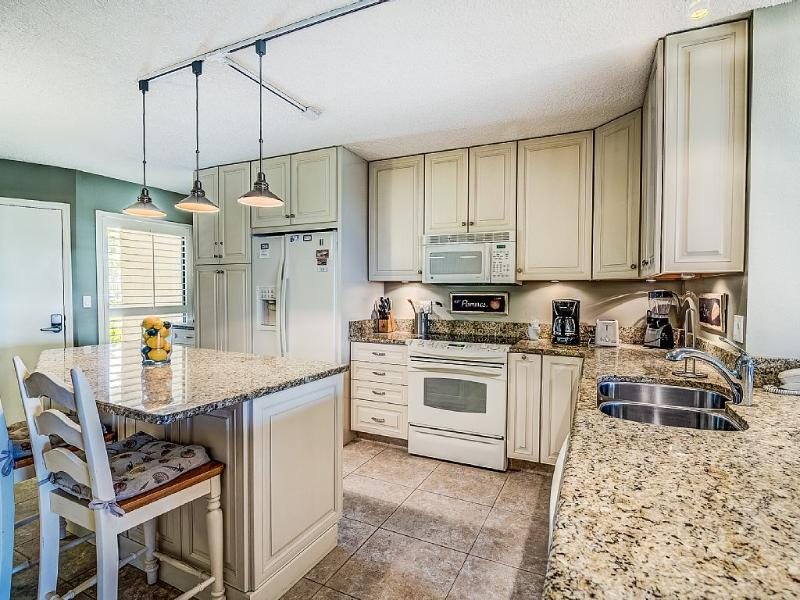 Beautiful, spacious kitchen - Ocean Gallery -The Gold Standard - Saint Augustine - rentals