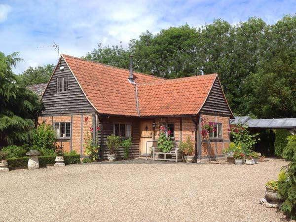 THE BYRE  character property, woodburner, near walks, pub nearby in Lavenham Ref 905013 - Image 1 - Lavenham - rentals