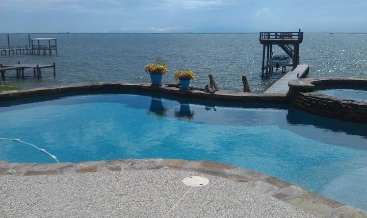 Shared pool right on the bay! Fishing Pier available. Close to Kemah Boardwalk - Docs Quarter near Kemah - La Porte - rentals