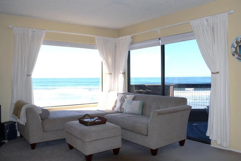 Livingroom View - Pajaro Dunes Ocean Front Vacation - Pajaro Dunes - rentals
