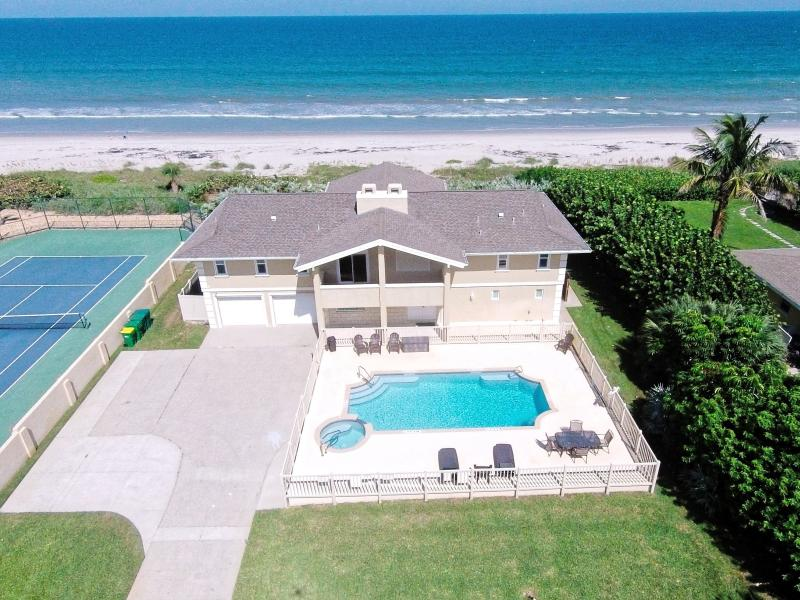 Aerial view of the property - GOLDEN SANDS PEARL -Luxury Beachfront, Pool & Spa - Cocoa Beach - rentals