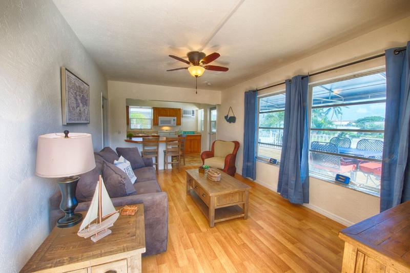 Apt 5 Living Room - 4145 By The Sea- Across the street from Ocean - Lauderdale by the Sea - rentals