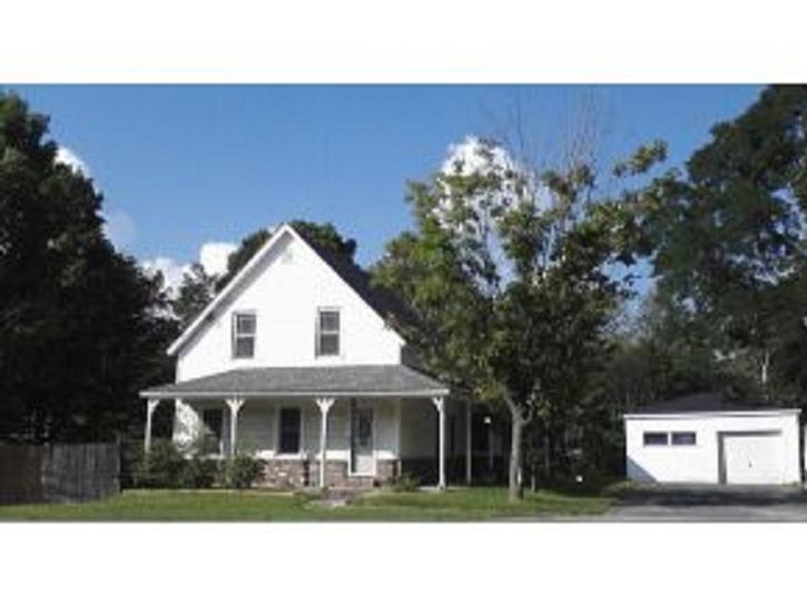 4 Bedroom house sleeps 11 .Great location . - Image 1 - Bethlehem - rentals