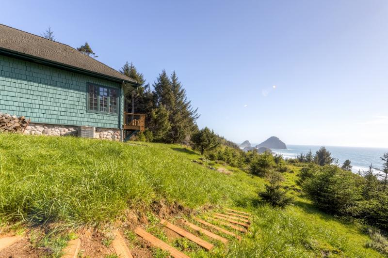 This path leads to the garden that overlooks the ocean - Picturesque 2BR Gold Beach House on 6 Beautiful Acres w/Steam Shower, Fireplace & Panoramic Ocean Views - A 10-min Walk to the Beach! - Ophir - rentals