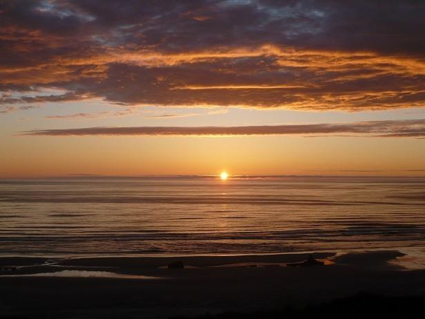 Oceanfront Sunsets Forever!! - American Classic - Nye Beachfront 3 BR Home - Newport - rentals