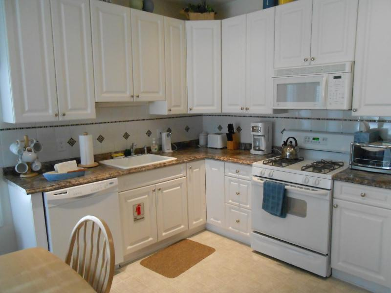 Kitchen - 3B 2B Condo with Heated POOL near Beach - North Wildwood - rentals
