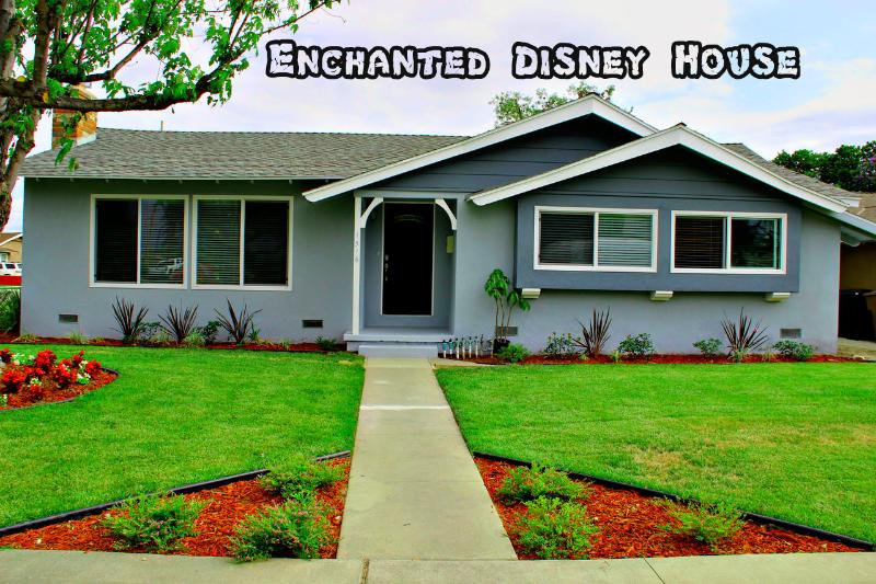 Affordable Luxury House Just Steps To Disneyland! - Image 1 - Anaheim - rentals
