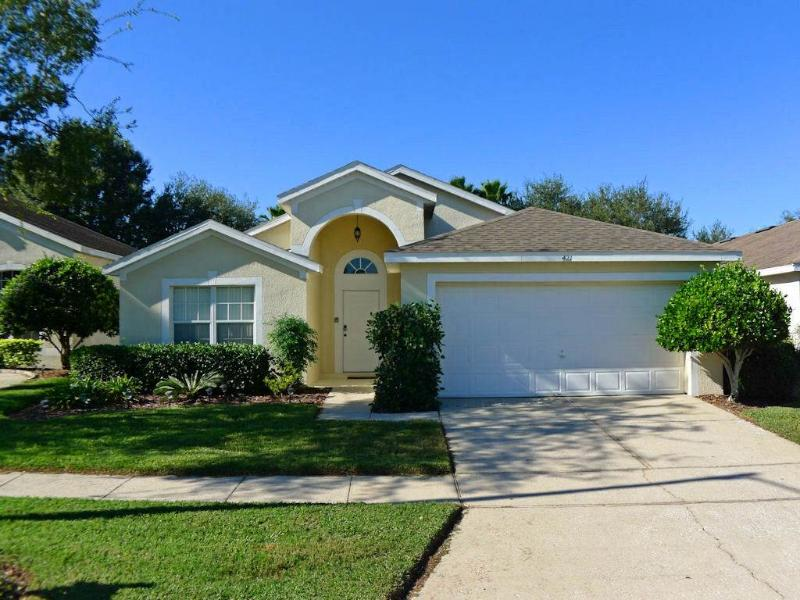Lovely 3BR home w/ community pool - BC421 - Image 1 - Davenport - rentals