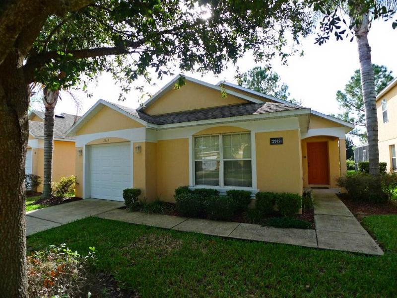 Impressive 3BR house 20 min drive from Disney - KL2912E - Image 1 - Haines City - rentals