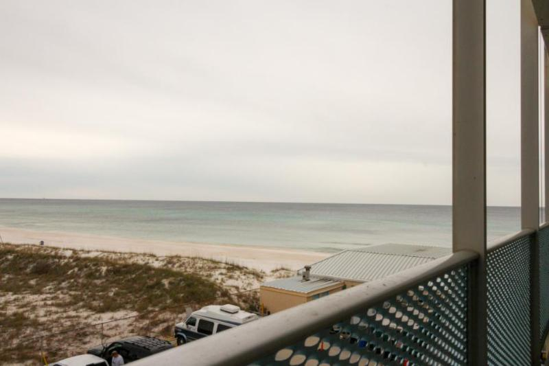 Oceanfront studio on private beach, w/indoor pool access! - Image 1 - Panama City Beach - rentals