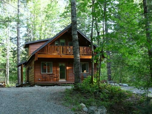 Custom designed,  charming and comfortable! - Family Friendly, affordable, clean and cozy - Packwood - rentals