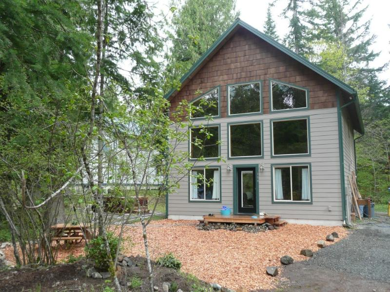 Mountain Mist Chalet - Spacious,clean,affordable Hot tub fireplace & more - Packwood - rentals