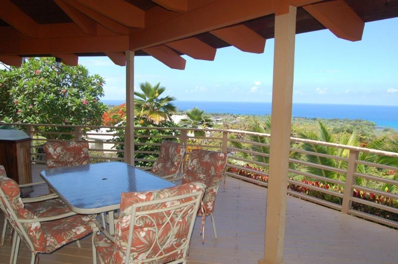 Lanai Table perfect for Sunset Dinners - Whale Watch view Heaven - Kailua-Kona - rentals