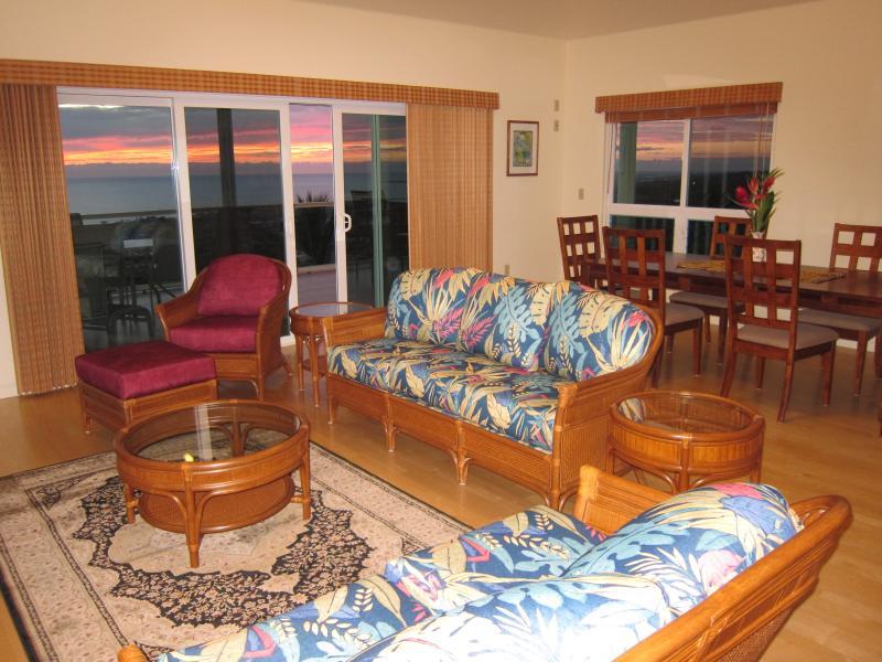 sunset views at dinner  time - Sunset Heaven - Kailua-Kona - rentals