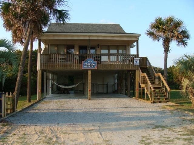 Tropical Breeze Beach House, Oak Island, NC - Tropical Breeze Oceanview Beach House-Dog Friendly - Oak Island - rentals