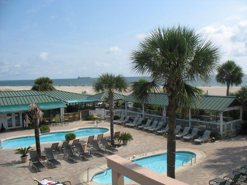 3 Oceanfront Pools with direct beach accces - 3 Pools, Newer Condo, Hot Tub, Oceanfront Complex - Tybee Island - rentals