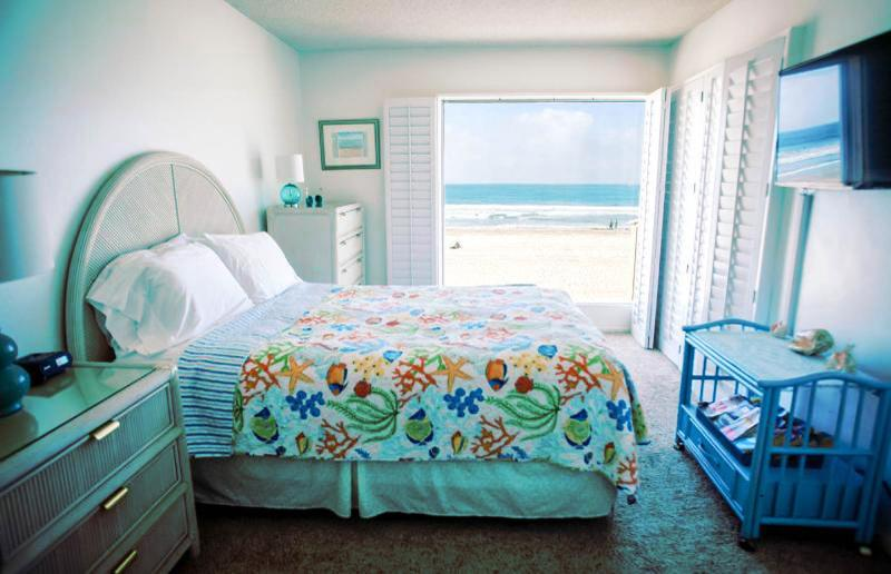 Gorgeous Ocean Front Condo - Large Balcony  vhr - Image 1 - San Diego - rentals