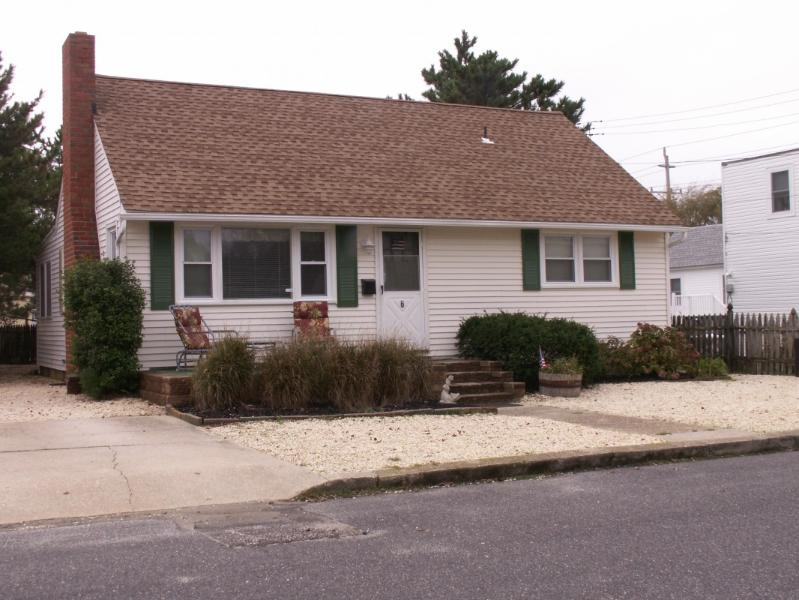 Front  View - LBI Pet Friendly Oceanside Cape-6th from beach - Beach Haven - rentals