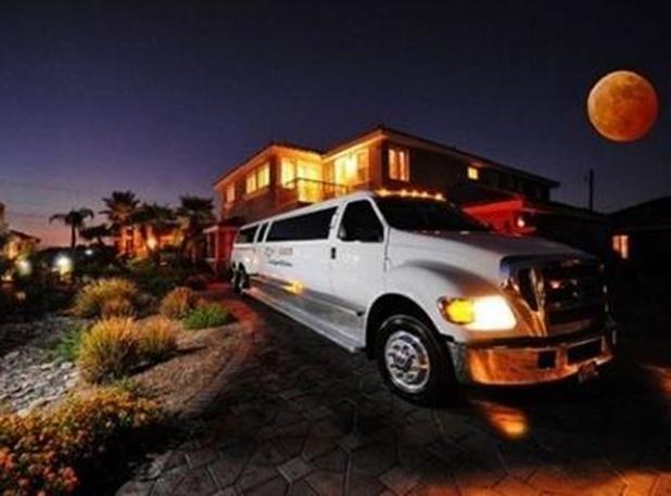 35% OFF!! LV Mini-Castles 26 Guest Suites 32 Bath - Image 1 - Las Vegas - rentals