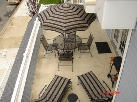 large sunny patio off of living room - Classy & Comfortable!!  Walk to Beach & Boards ! - Wildwood - rentals