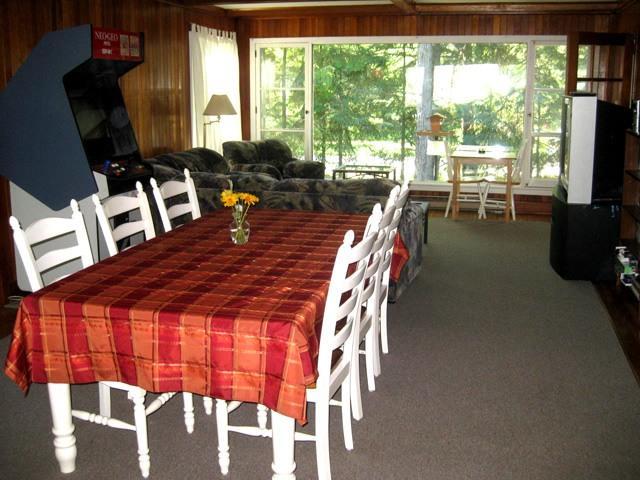 dining area - Wasaga Beach Cottage Rental - Wasaga Beach - rentals