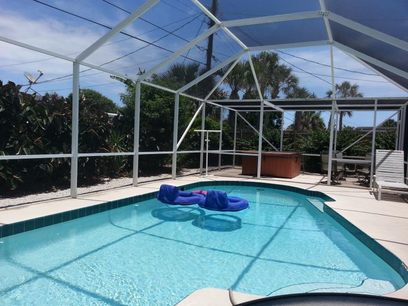 AVAIL MOST SEPT--5MINS 2 BCH-3BR w/Scr POOL/SPA - Image 1 - Ormond Beach - rentals