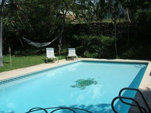 back yard pool - TU TU'S BEACH HOUSE WITH OCEAN VIEW AND LARGE POOL - Kailua-Kona - rentals