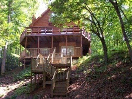 "Creek's Song Cabin - Hear the creek ""sing"" on this 1 1/2 acres - Blairsville - rentals"