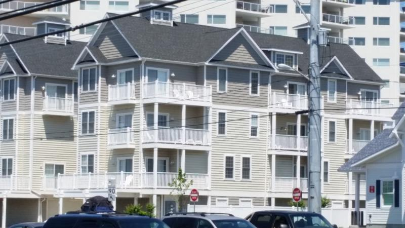 Large Ocean Block Townhomes 4 bedroom, 3.5 bath - Image 1 - Ocean City - rentals