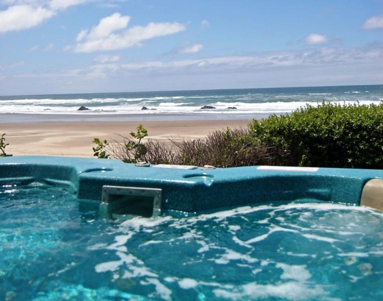 Oceanfront HOT TUB!!! - Lincoln City Oceanfront w/ Hot tub & beach access - Lincoln City - rentals