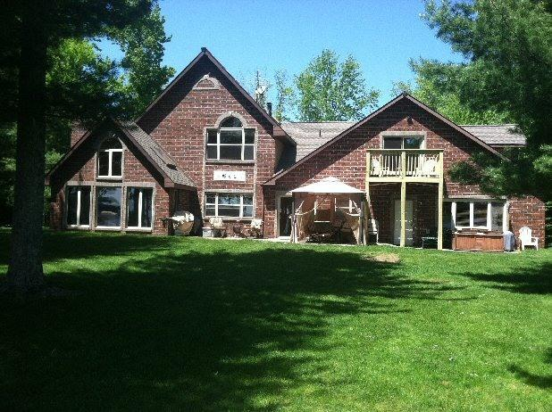 Back of house - Paradise on Lake Noquebay...a lake never busy - Wausaukee - rentals