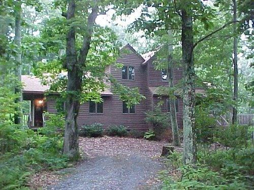 front of house-nestled in the woods on a cul de sac - WINTERGREEN MOUNTAIN HOUSE - Nellysford - rentals