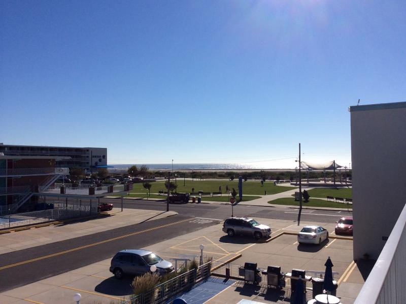 CARA MARA 1 Bedroom Efficience View from shared balcony - 1 Bdrm Oceanview / Wildwood Crest - Great Location - Wildwood - rentals