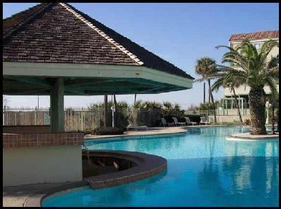 Main pool - Designer beach view condo right on seawall - Galveston Island - rentals